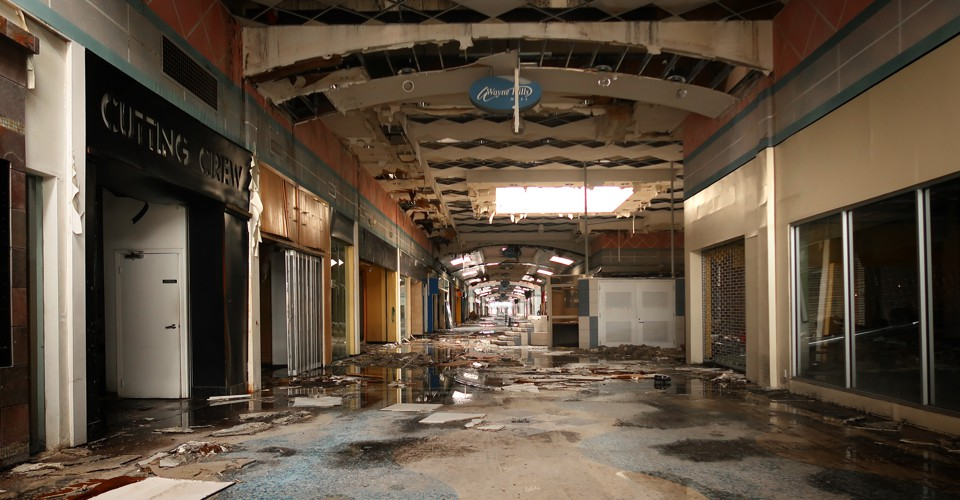 abandonedmall1